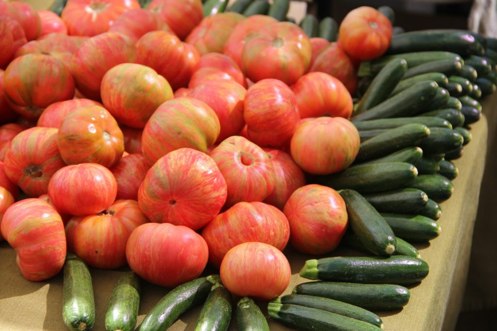tomatoes-237446_1920